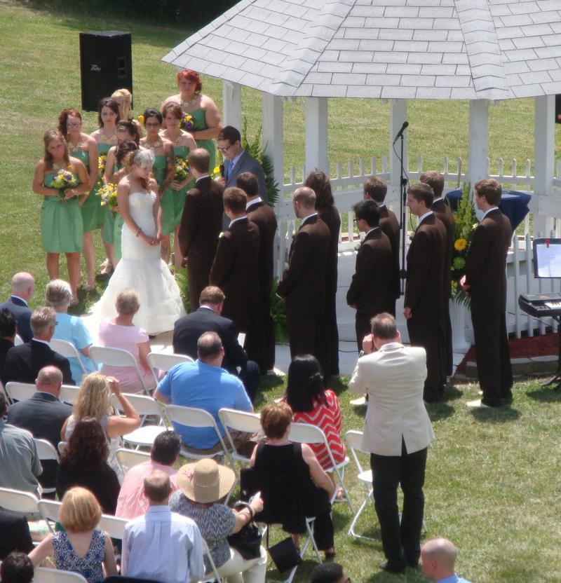 A beautiful wedding at the gazebo!